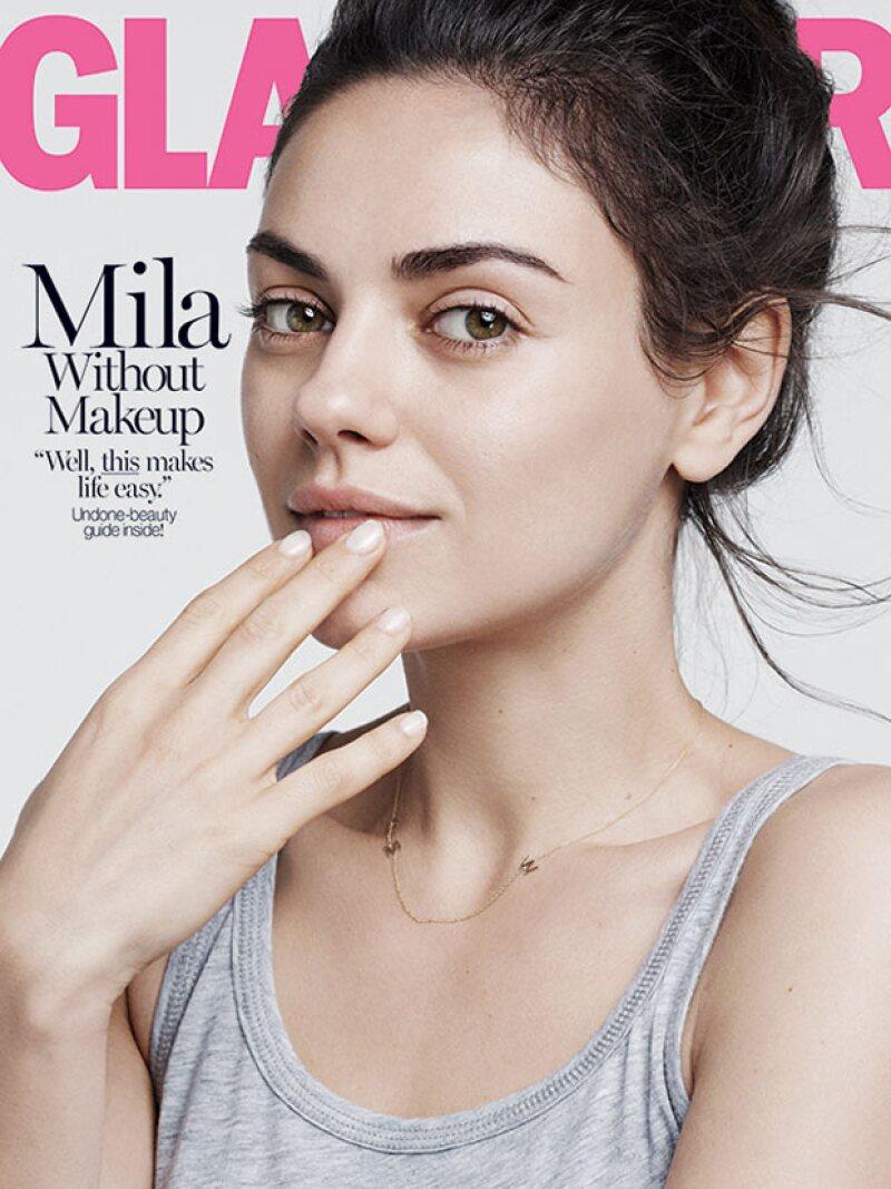 La actriz aseguró en entrevista que no utiliza maquillaje y que no lava su pelo todos los días, además de confesarse enamorada de su esposo Ashton Kutcher, con quien espera a su segundo hijo.
