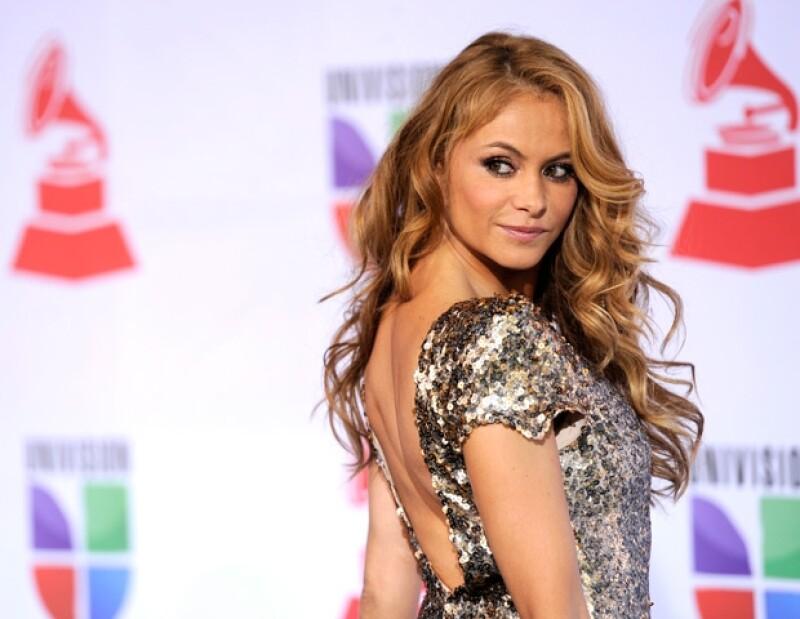 Paulina interpretó junto con Los Tigres del Norte su éxito Golpes del corazón.