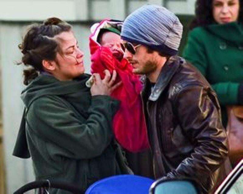 El actor dejó de lado las fiestas para cuidar a Dolores en la recuperación post parto y atender a su más grande tesoro: Lázaro, de dos meses.