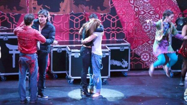 Al principio los fans de Ariadne Díaz, ex novia del actor, no querían a Irán, quien visitaba José en el foro de Godspell.