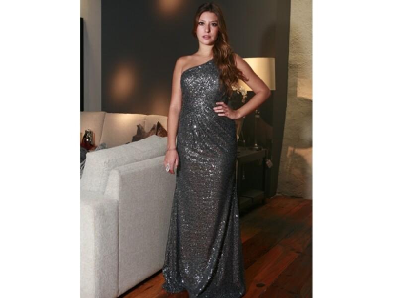 Si quieres brillar en una velada, selecciona un vestido de lentejuelas como el de Fer Padilla.