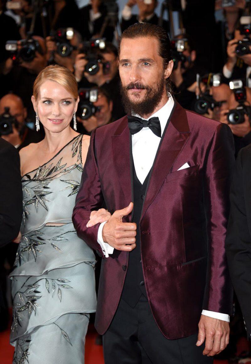 Algo jamás antes visto en toda la historia del festival de cine francés ocurrió hace unas horas durante la presentación de Sea of Trees, cinta protagonizada por Matthew y Naomi Watts.