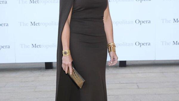 Brooke Shields con un pulido look.