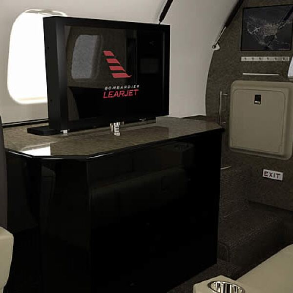El avión se creo en el 2005 y ha estado volando desde el 2007. Actualmente existen unos 361 jets volando por el mundo.