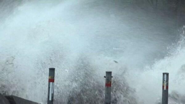 El tifón Jebi deja casi una decena de muertos a su paso por Japón