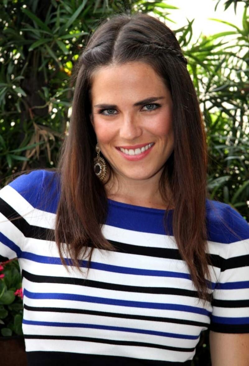 La actriz fue vista en un evento usando un anillo en su dedo anular izquierdo y varios allegados a la actriz han confirmado la noticia.