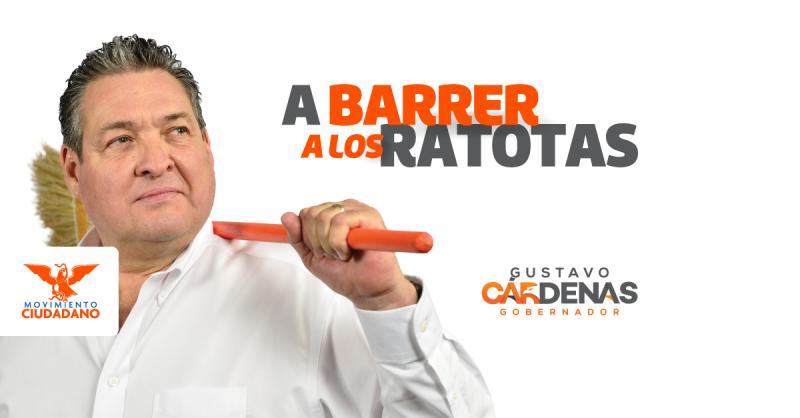 El político, que busca ganar la gubernatura de Tamaulipas, inició una campaña con una escoba en la mano.