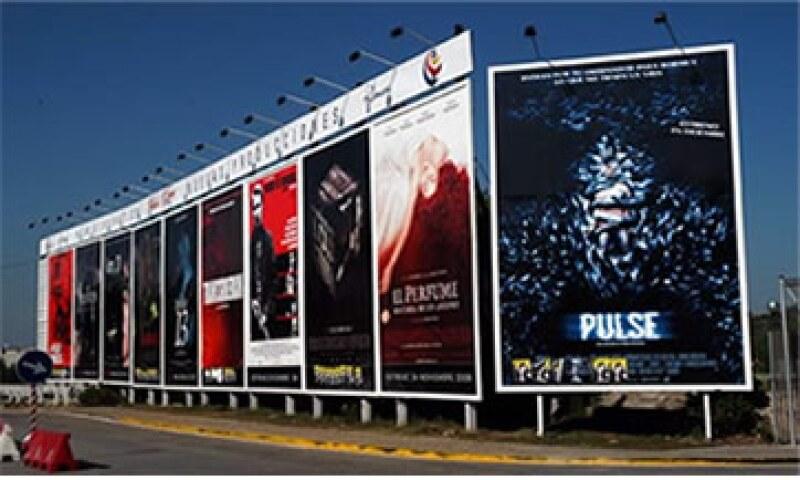 Se espera reubicar alrededor de 1,250 anuncios en 16 corredores publicitarios. (Foto: Especial )