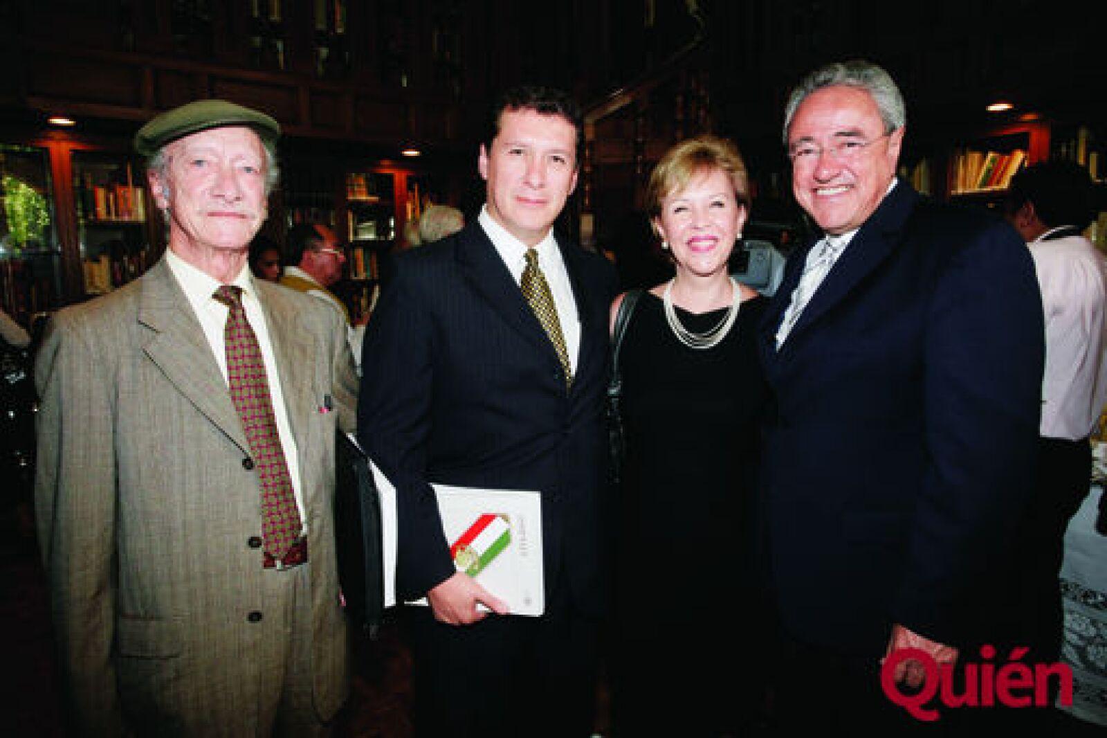 Carlos Martínez, Juan, Martínez, Sandra Reynoso, Luis Guerra
