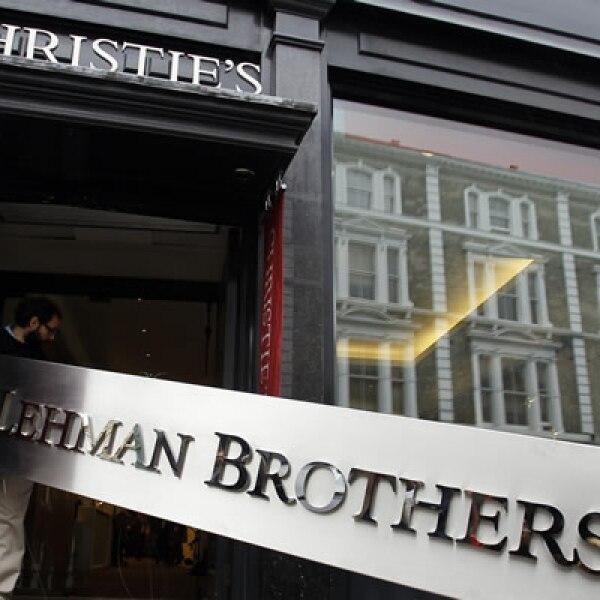 La firma de servicios financieros Lehman Brothers se declaró en bancarrota. Ese día se registró un desplome del índice Dow Jones, con una caída de 500 puntos, poco más de 4.4%.