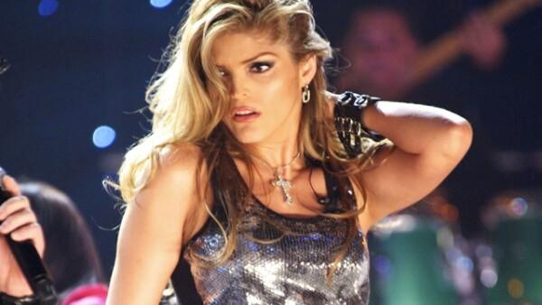 La cantante Ana Bárbara cumplió 40 años el 10 de enero y sigue guapísima.