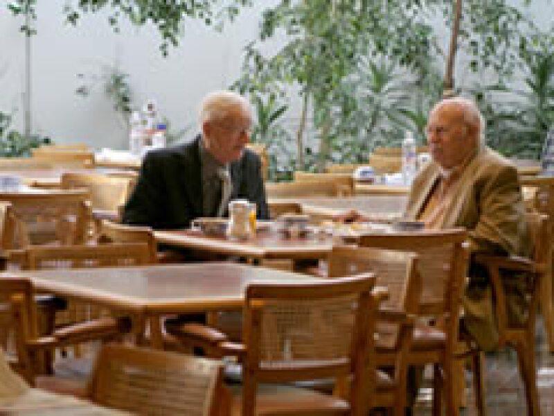 Los restaurantes operan al 50% de su capacidad (Foto: Notimex)