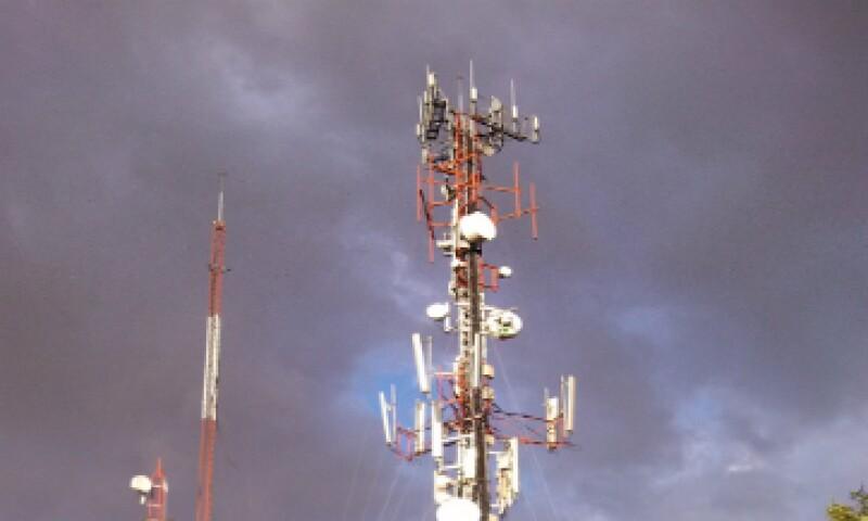 México tiene un déficit de capacidad de espectro para la transmisión de servicios de telefonía móvil. (Foto: CNNExpansión)