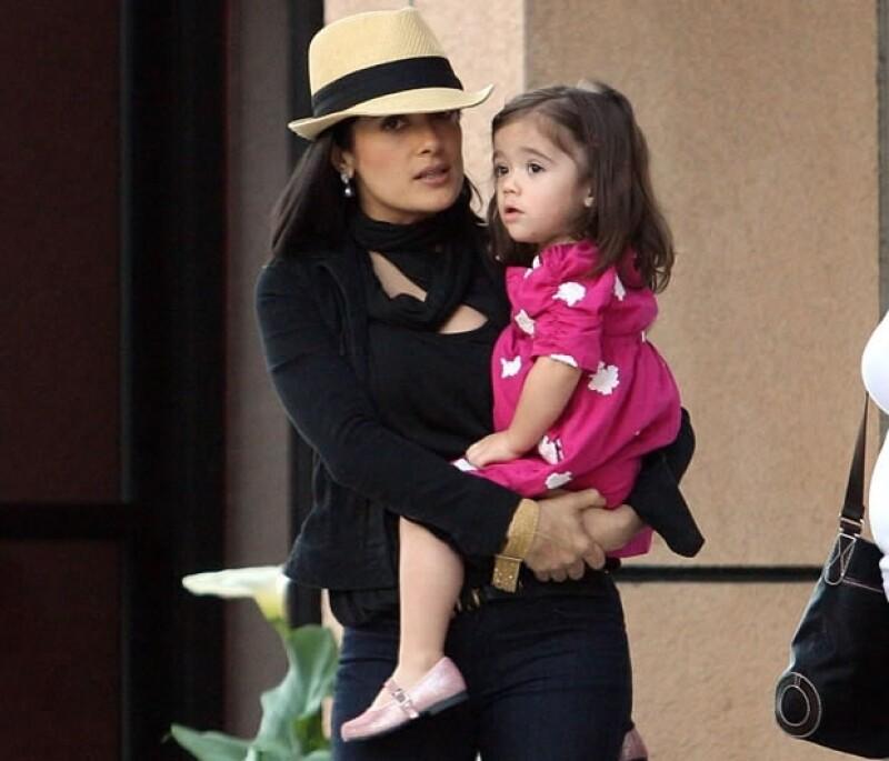 La actriz otorga tanta importancia a su faceta maternal, que jamás se plantea estar lejos de su hija Valentina más de siete días seguidos.