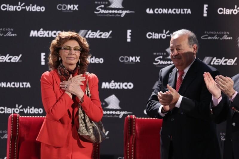 La actriz se mostró muy agradecida con Carlos Slim. Ellos se conocieron hace dos años en un homenaje a su difunto esposo.