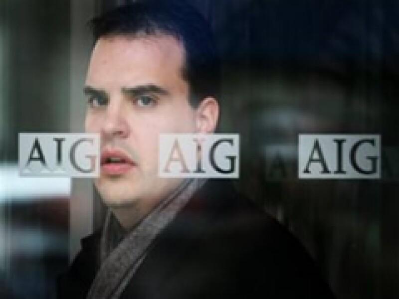 AIG ha recibido 180,000 millones de dólares de los contribuyentes estadounidenses para poder librar la crisis. (Archivo)