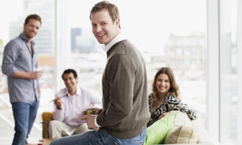 Un elemento esencial en la búsqueda de trabajo es tener una red de contactos sólida. (Foto: Getty Images)