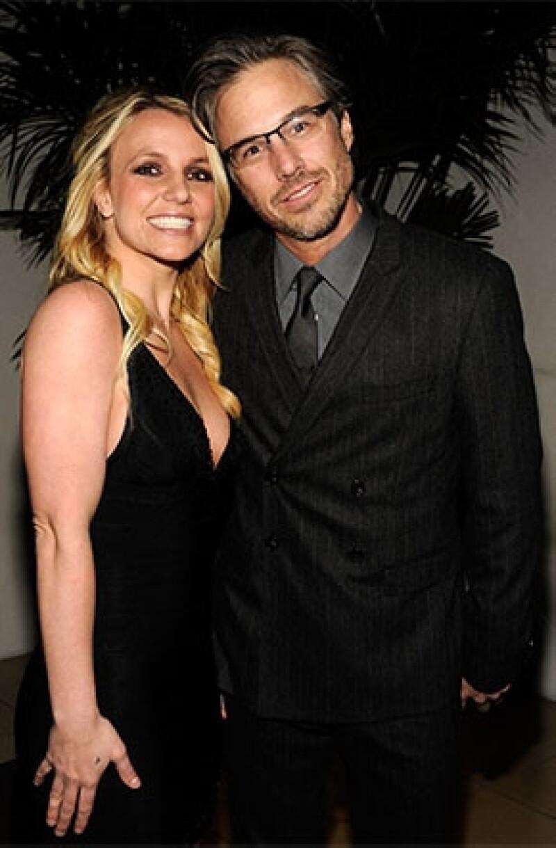 Además de no poder continuar en `The X Factor´la princesa del pop anunció su separación del que fuera su prometido a unos meses de casarse, Jason Trawick.