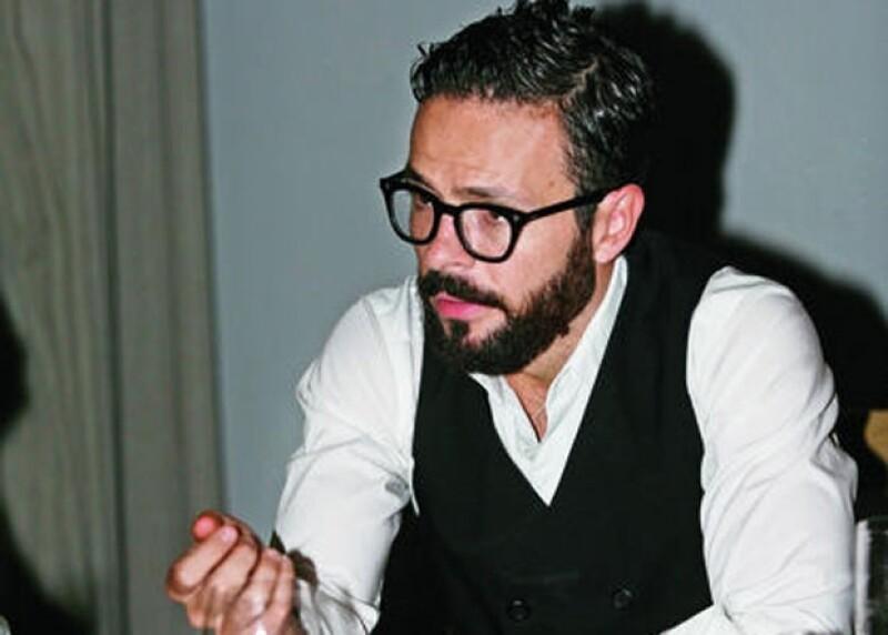 El actor y diseñador de moda está por estrenar la cinta `SobreElla´ en donde comparte créditos con Aislinn Derbez, y nos compartió sus filmes favoritos.
