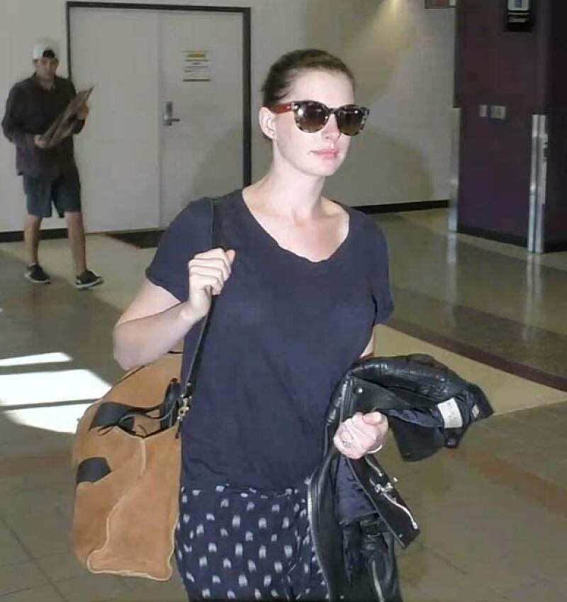 Hace veinte días fue captada con su ya notrio embarazo, en el aeropuerto de LA.