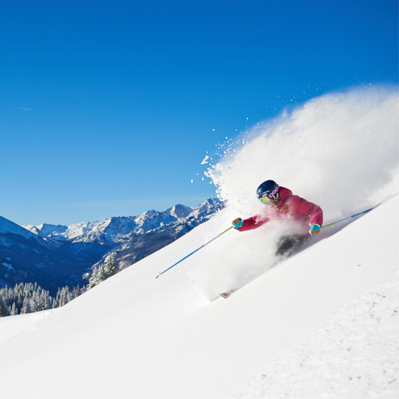 Considerado en todo el mundo como el resort de esquí más importante de América del Norte, Vail ofrece increíbles opciones para vivir una vacaciones bajo la nieve.
