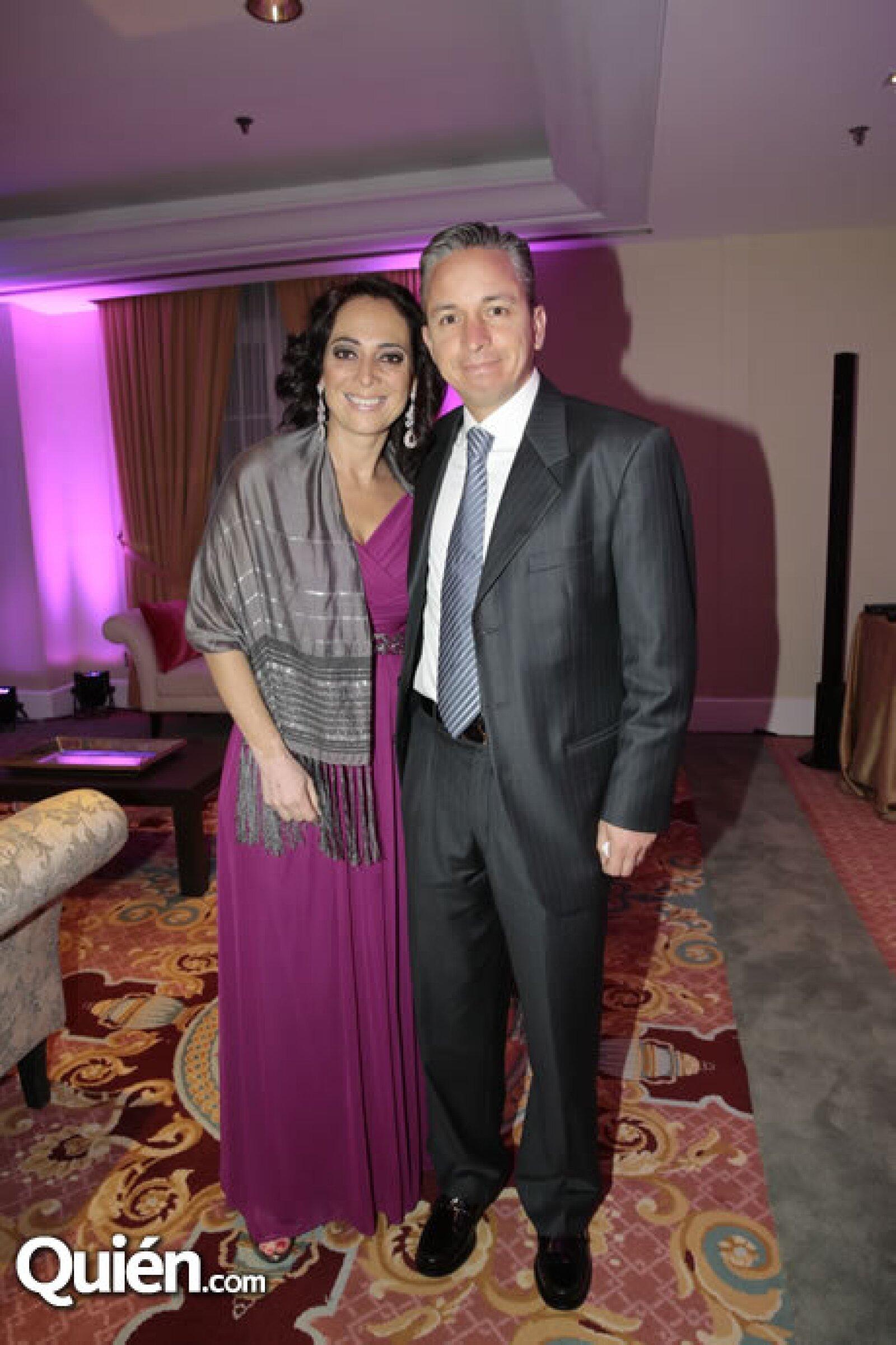 Laura Uribe,Bernardo Cisneros