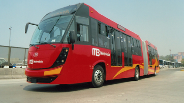 La implementación de un sistema como el Metrobús es 10 veces más económico que una línea de Metro.(Foto: Cortesía DINA)