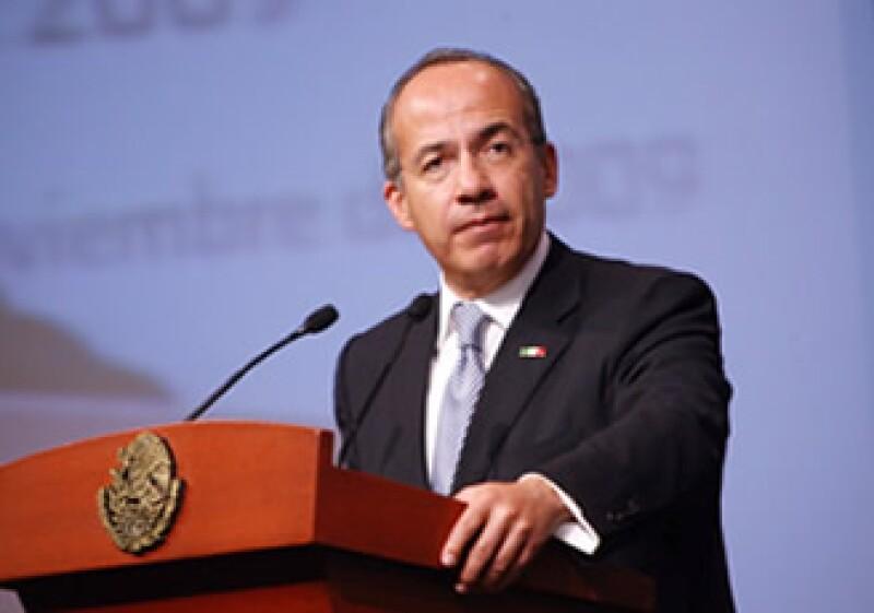 Calderón destacó la caída en los campos petroleros del país. (Foto: Notimex)