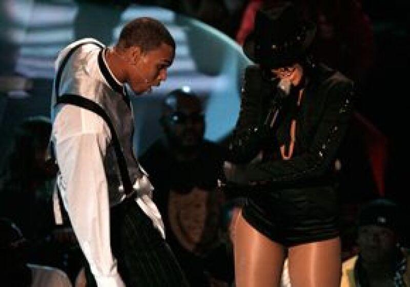 El cantante está muy arrepentido de haber agredido a su novia, por lo que está dispuesto a desembolsar esa suma de dinero.
