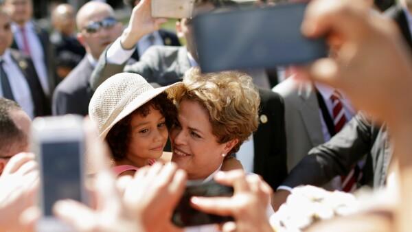 Dilma Rousseff convivió con sus seguidores.