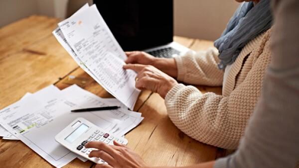El Artículo 28 de la Ley del Impuesto sobre la Renta (ISR) permite deducir: hospedaje, alimentación, transporte y uso temporal de automóviles.