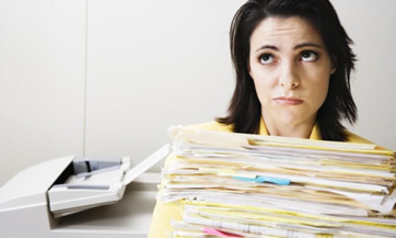 Si consideras que tu ambiente de trabajo es asfixiante u opresivo, significa que esa cultura no es la adecuada para ti. (Foto: ThinkStock)