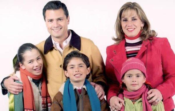 Peña y Pretelini se unieron en matrimonio el 12 de febrero de 1994. De esta unión nacieron tres hijos: Paulina, Alejandro y la pequeña Nicole.