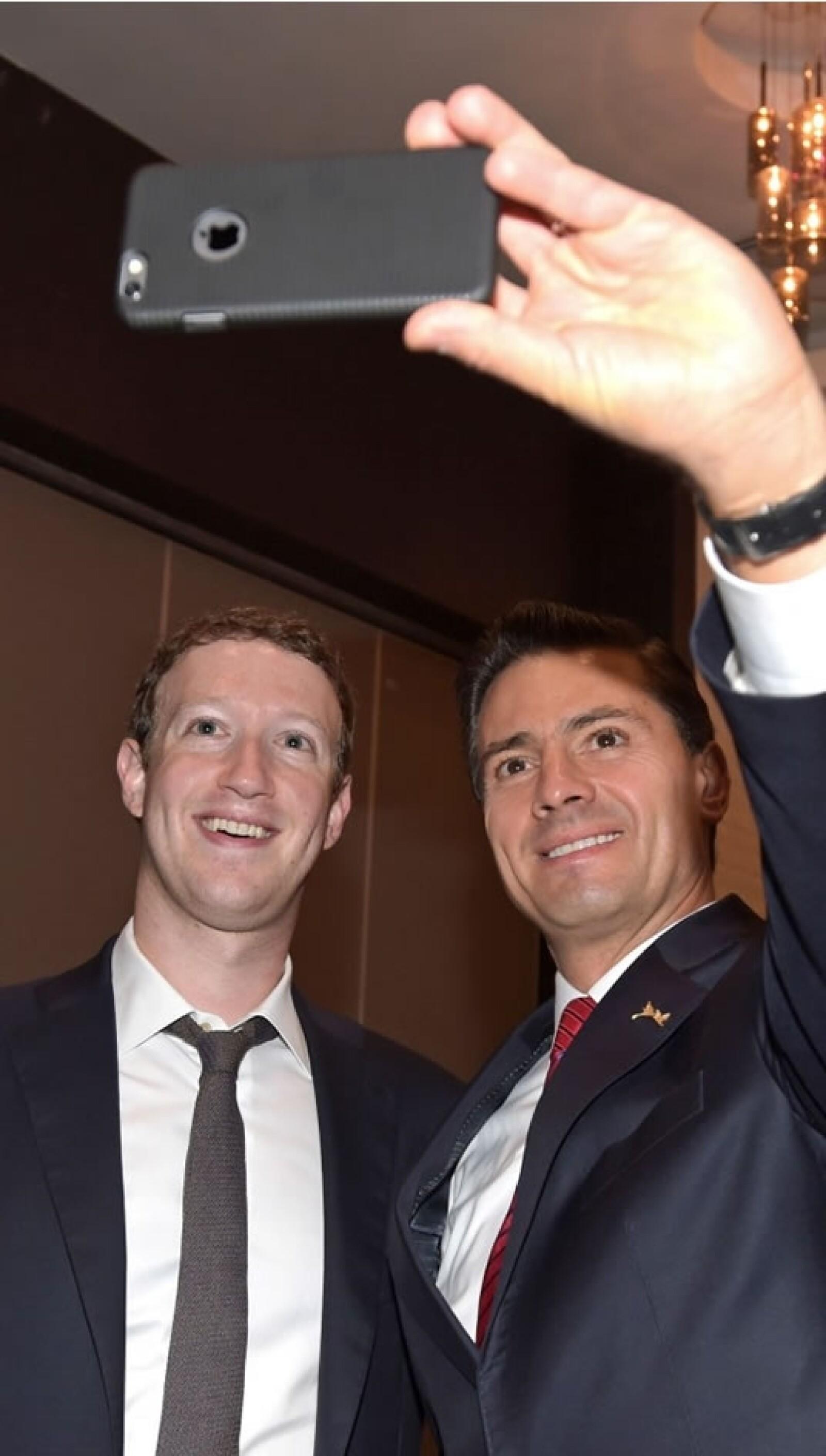 selfie Enrique Peña Nieto en la Cumbre de las Américas