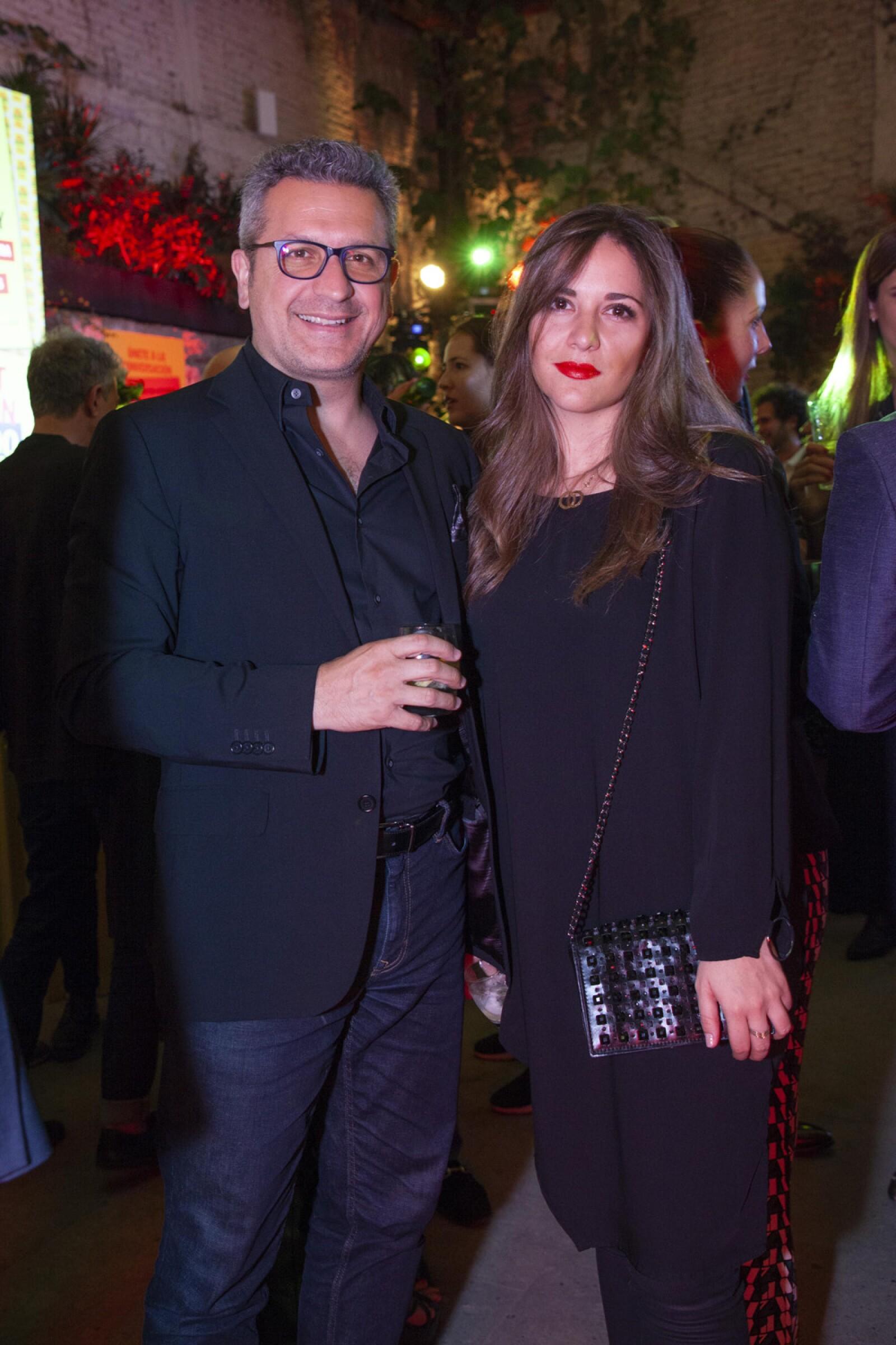 Luis Herrera, Paulina Navarro