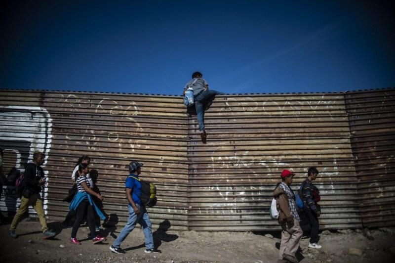 Resultado de imagen para Migración detuvo y deportará a 98 hondureños que intentaron cruzar a EU