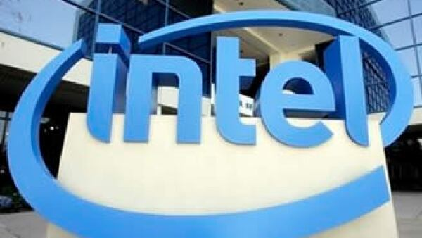 Intel ha sido acusada por los reguladores estadounidenses de obstaculizar la competencia de sus rivales en el mercado de microchips. (Foto: AP)