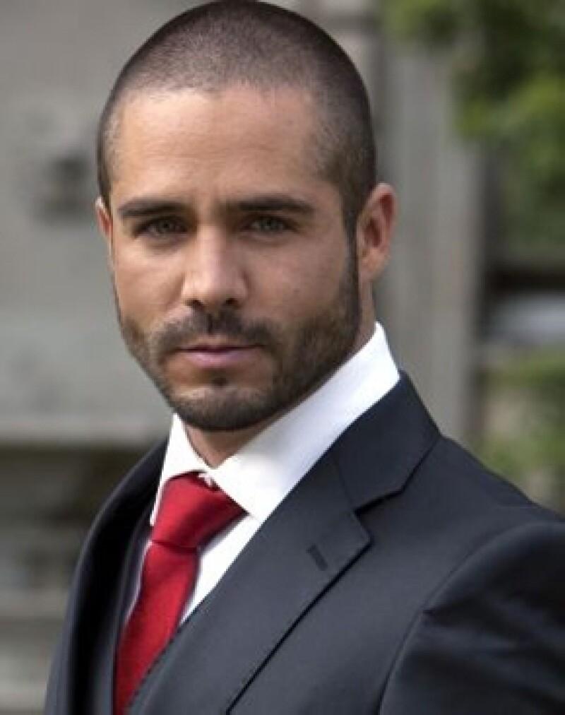 El guapo actor nos platicó acerca de su personaje en la nueva producción del &#39Güero&#39 Castro y de su nueva faceta de productor, ya que tiene lista una serie juvenil que espera estrenar este año.