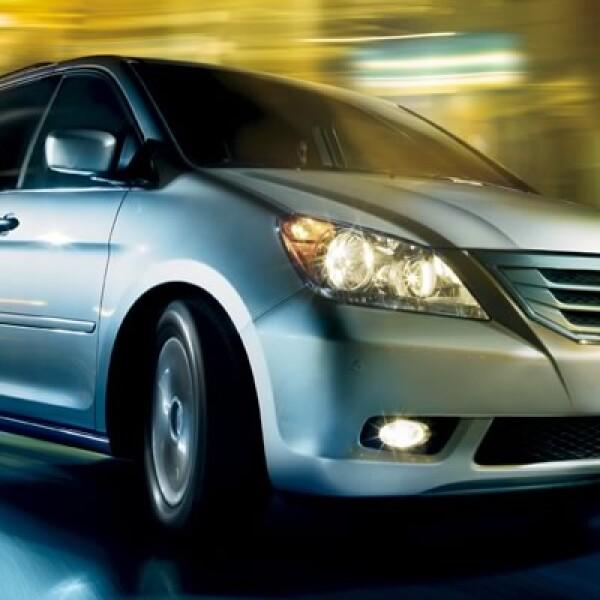 Honda evalúa los modelos Odyssey 2010 debido a una bombilla que podría causar un incendio.