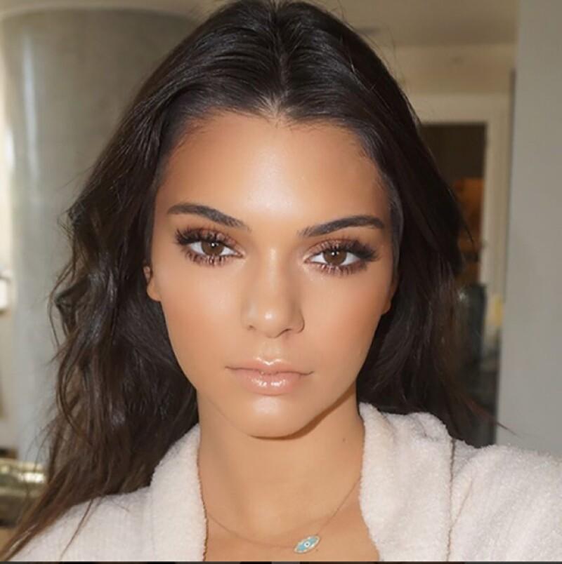 El encargado de que la hermana de Kendall luzca siempre perfecta tiene 20 años y fue contactado por ella a través de un mensaje en sus redes sociales.