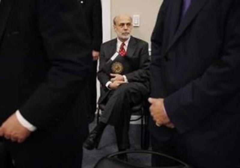 Ben Bernanke dijo que la Fed trabaja con reguladores de todo el mundo para endurecer las reglas de capital y liquidez de los bancos. (Foto: Reuters)