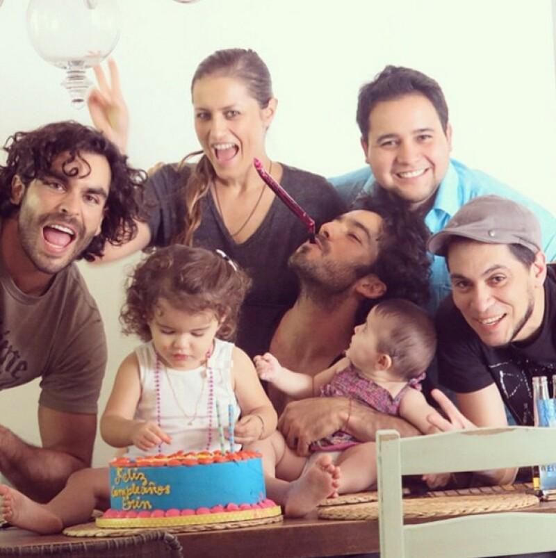 La pequeña cumplió dos años y sus famosos padres se encargaron de festejarla con amigos y familiares.