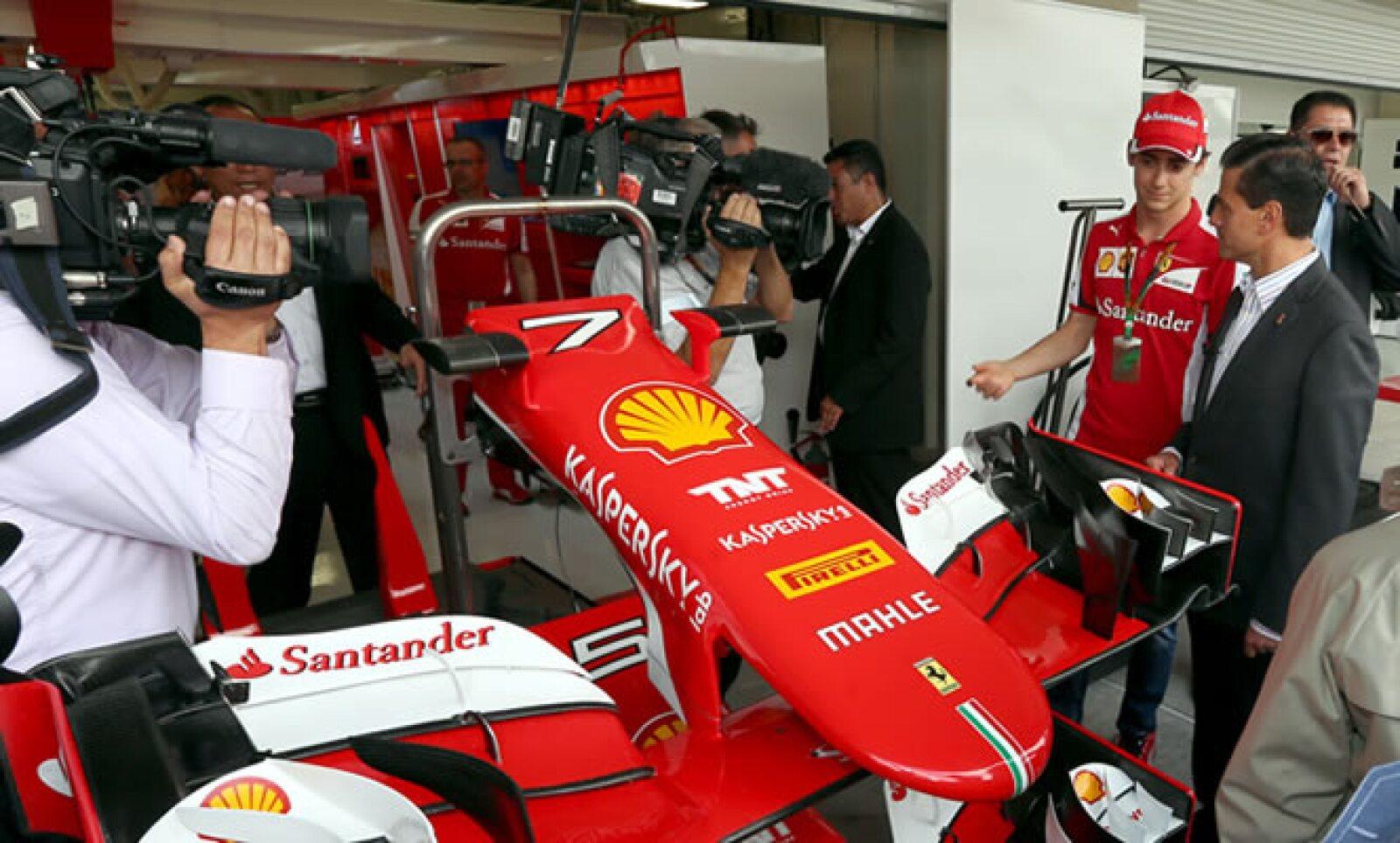 El presidente conoció los diversos puntos del Autódromo, donde alrededor de 110,000 personas podrán dar seguimiento a los 20 vehículos que participan en esta temporada de la F1.