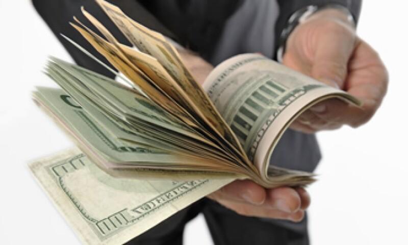 Las casas de cambio, sociedades financieras y otras instituciones están obligadas a entregar un manual antilavado. (Foto: Getty Images)