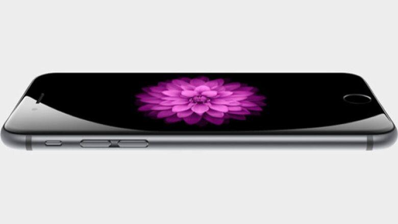 El iPhone 6 es más delgado que las anteriores versiones.