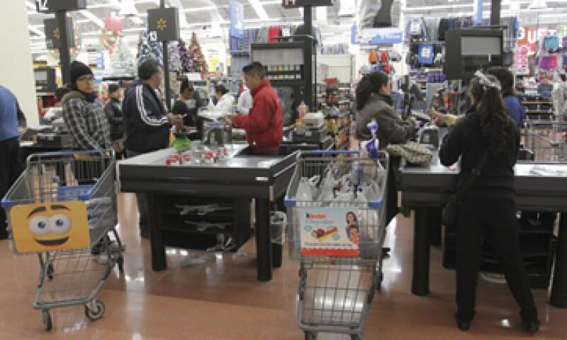 Los consumidores también se mostraron menos confiados sobre  la situación económica de los integrantes del hogar en el momento actual. (Foto: Cuartoscuro)