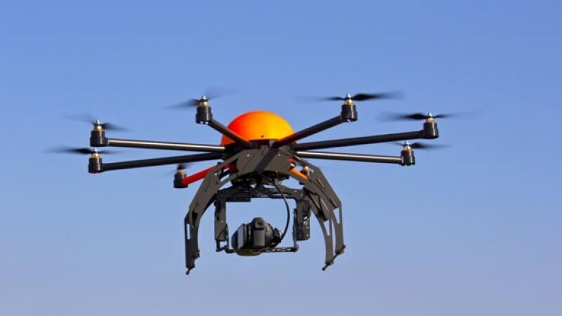 Un 'drone' como el que Facebook pretende utilizar para llevar internet a billones de personas