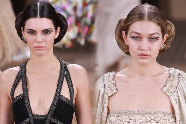 También desfilaron juntas en la pasarela de Chanel Haute Couture.