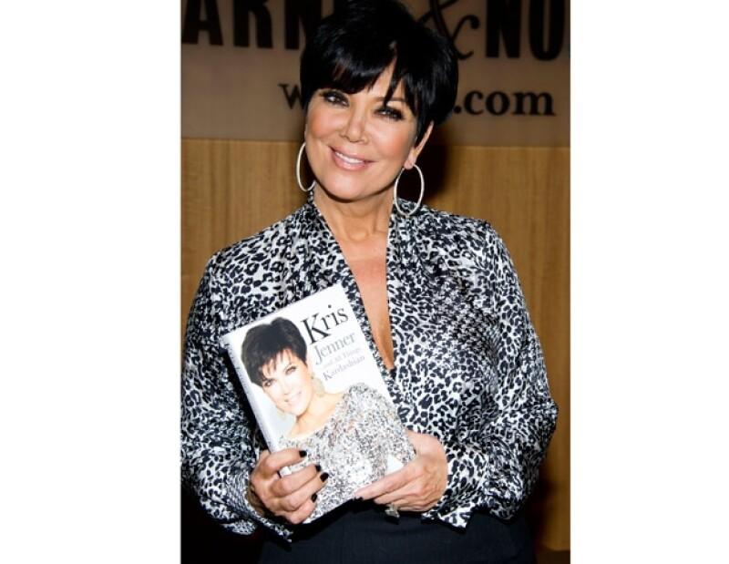 Kris Jenner, madre de las hermanas Kardashian, reveló que una infidelidad a su ex esposo Robert Kardashian es el suceso que más lamenta de su vida, pues destrozó su matrimonio.