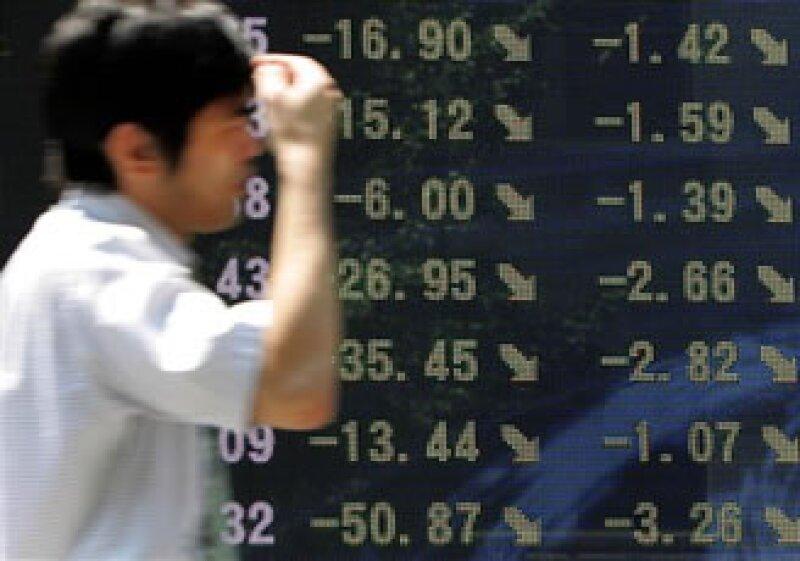 Las aseguradoras Aviva, Allianz y Axa también registraron bajas. (Foto: AP)